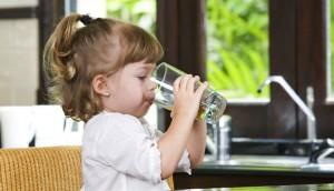 enfant boire
